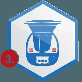 3. Schritt: Küchenmaschine in Wabe, blau