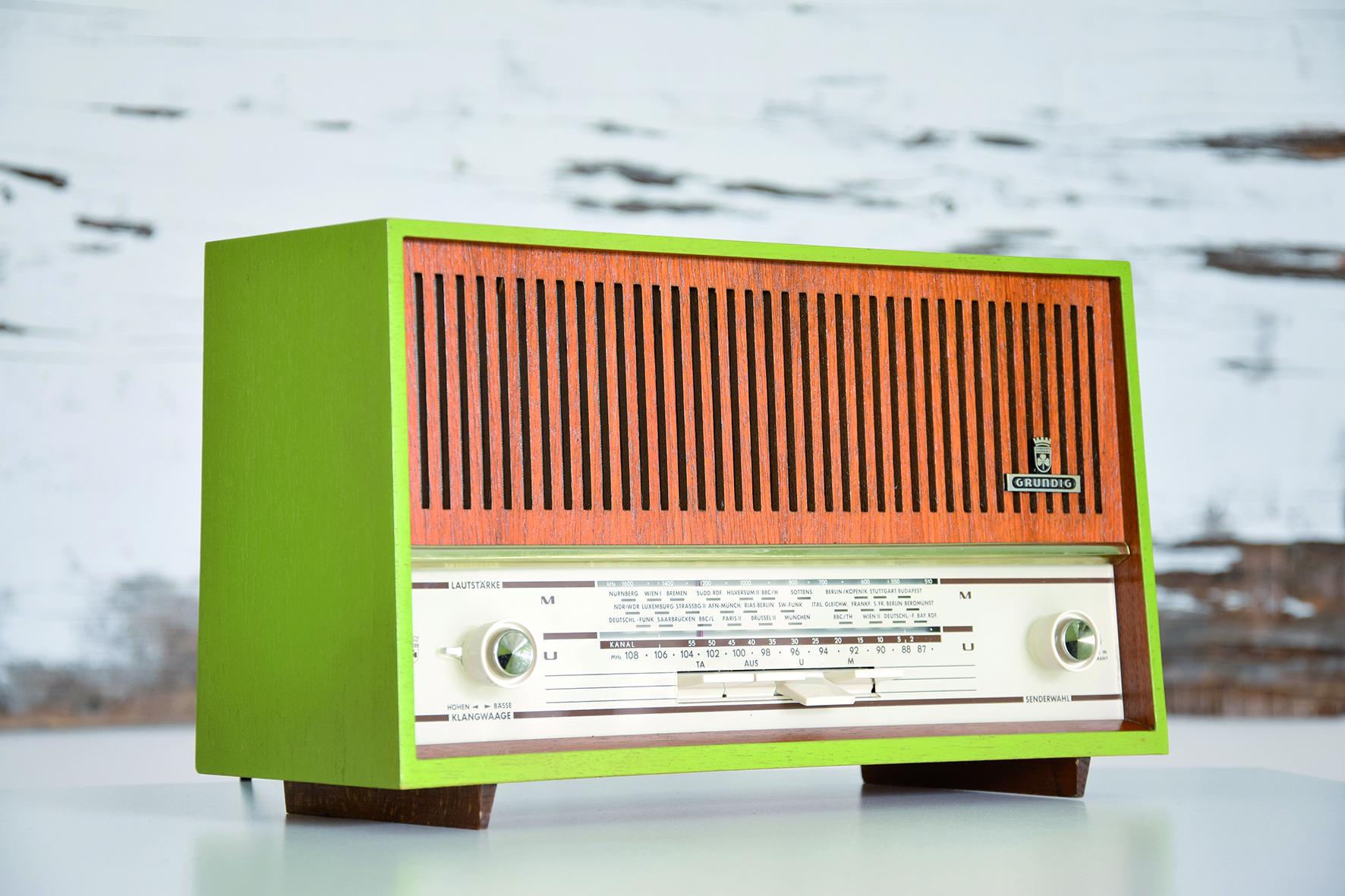 Röhrenradio Grundig aus der Vangerow-Manufaktur Reutlingen