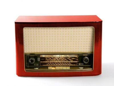 Röhrenradio Gehäuse restaurieren