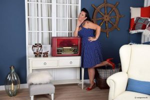Vangerow Röhrenradio rot maritim Jennylee