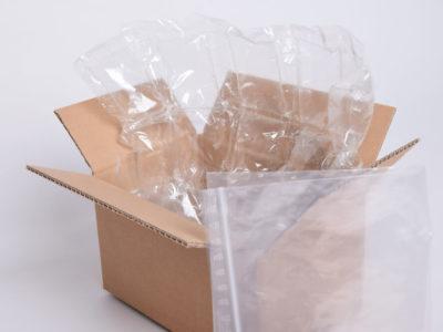 Karton mit Luftpolsterfolie