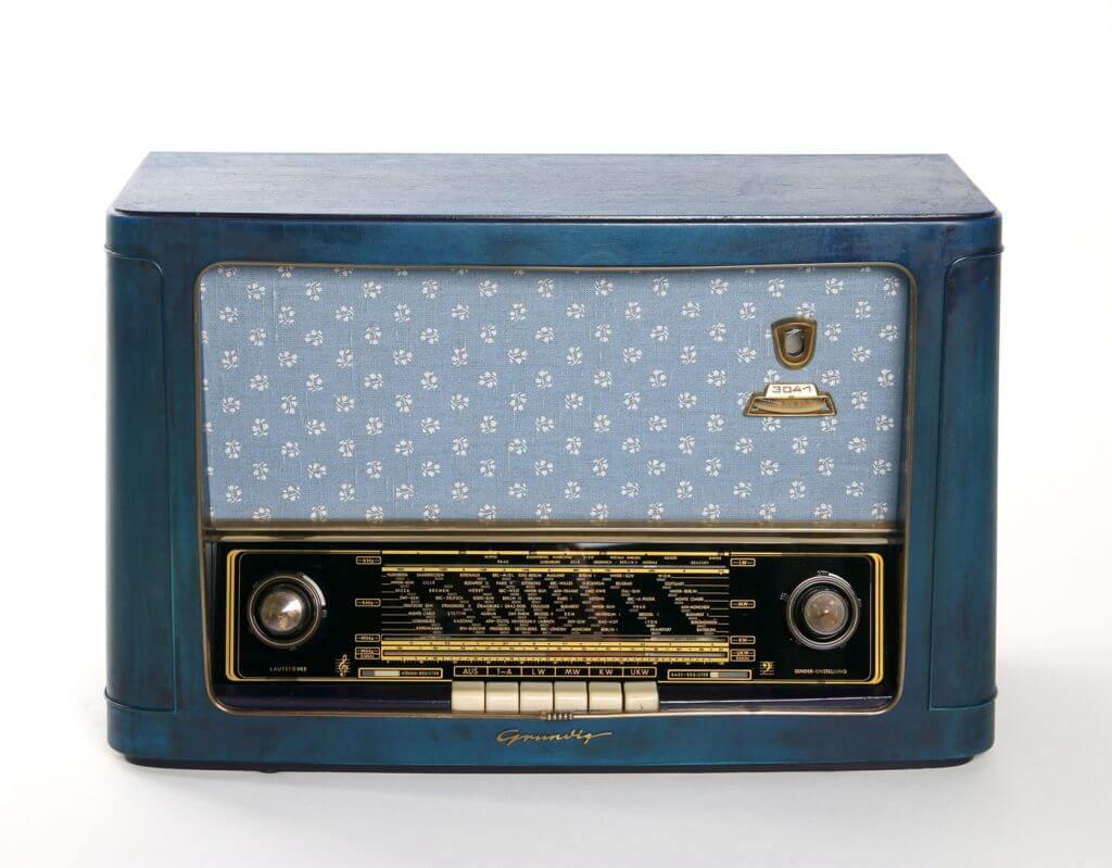 Röhrenradio Grundig Type 3041W